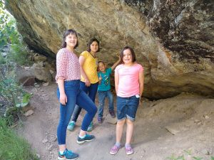 kids under a rock